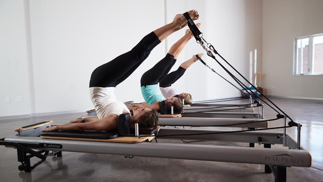Alma Pilates - séance d'exercices sur la machine fit Reformer